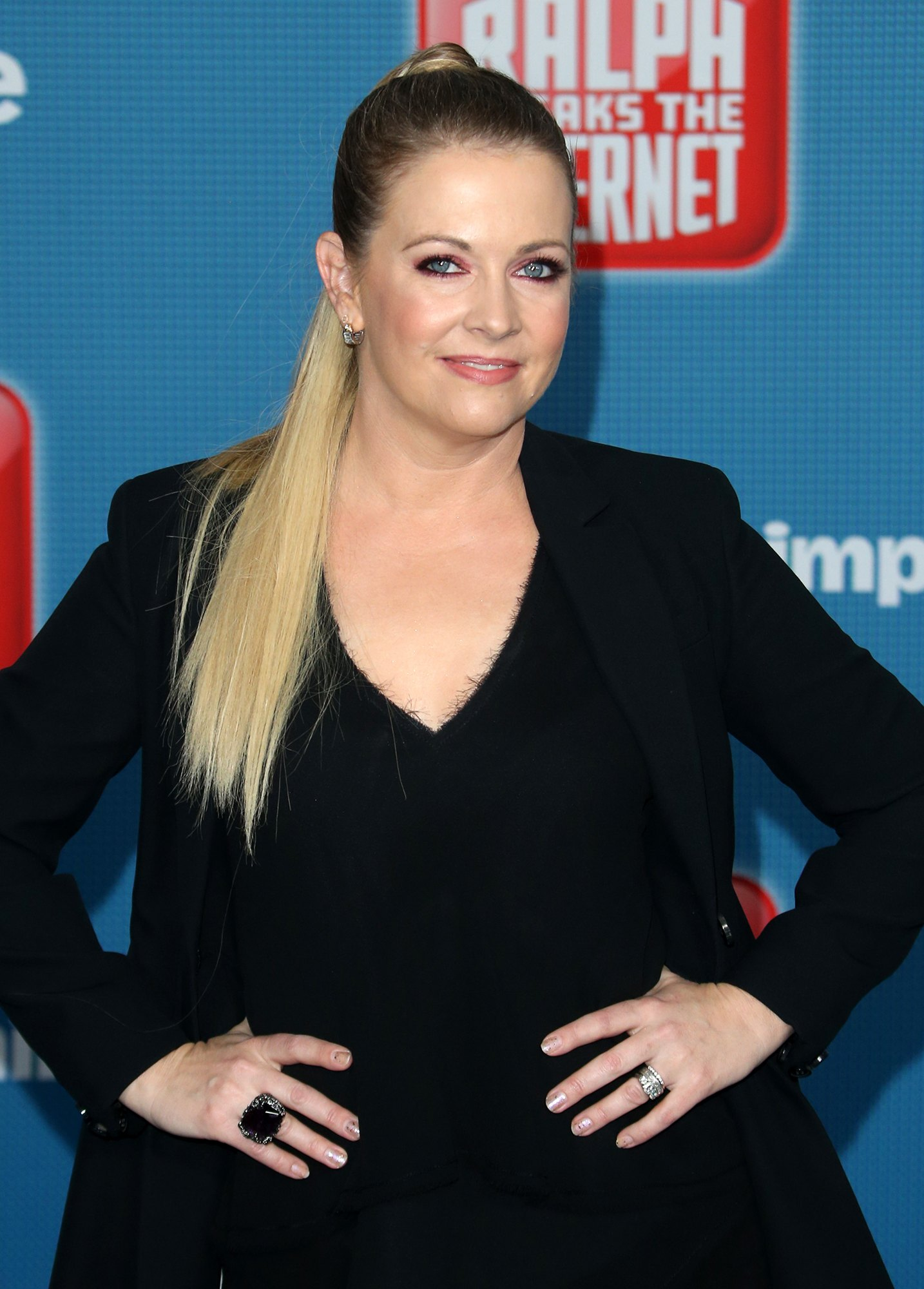 Melissa Joan Hart in Black Outfit