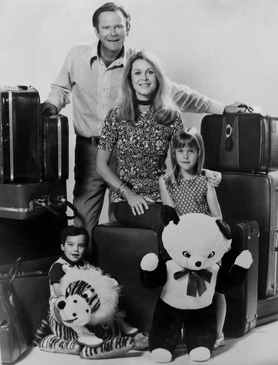 Bewitched cast photo of the Stephens family.