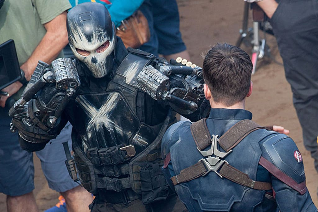 Frank Grillo and Chris Evans on set